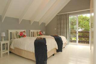 three bedroomed cottage twin room medium