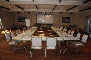 conferencing event at cape st francis table layout